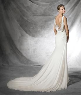 שמלת כלה גב חשוף עם בד נשפך