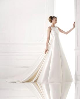 שמלת כלה אלגנטית מעוטרת חרוזים