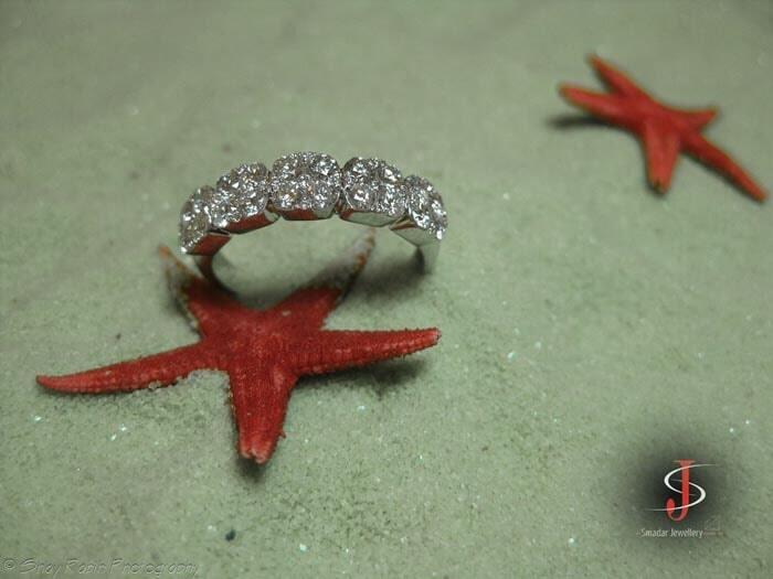טבעת אלמוג משובצת יהלומים 2