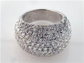 טבעת יוקרתית משובצת יהלומים
