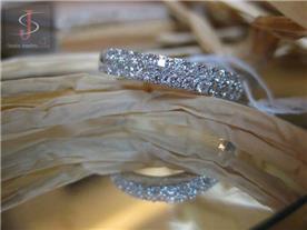טבעת משובצת יהלומים 4