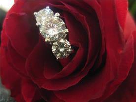 טבעת טריו יהלומים