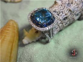 טבעת יוקרתית בשיבוץ בלו טופז ויהלומים 2