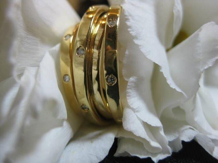 טבעת משובצת יהלומים