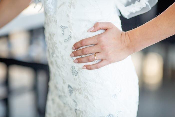 תכשיט: תכשיט לאישה, טבעת אירוסין, טבעת נישואין, תכשיט בציפוי זהב - סמדר תכשיטים