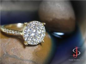 טבעת משובצת יהלומים 2