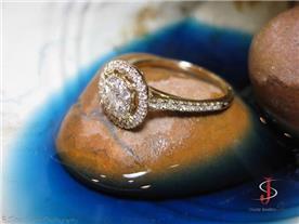 טבעת משובצת יהלומים 3