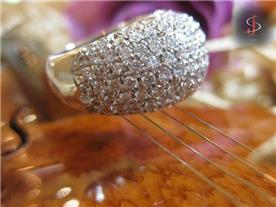 טבעת יוקרתית משובצת