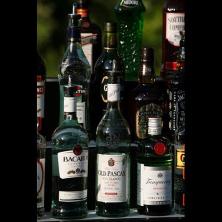 מגוון משקאות חריפים
