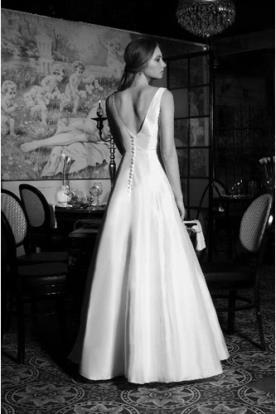 שמלת כלה מינימליסטית בגזרת איי