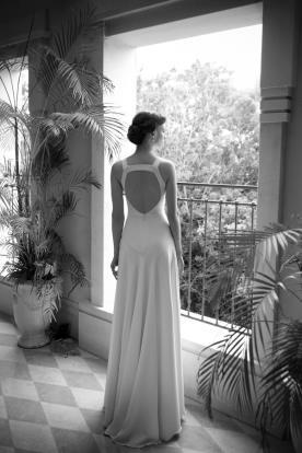 שמלת כלה נשפכת גב חשוף