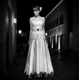 שמלת כלה עם תחרה שחורה