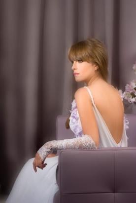שמלת כלה אלגנטית עם בד נשפך
