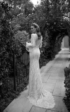 שמלת כלה תחרה עם שרוולי פעמון