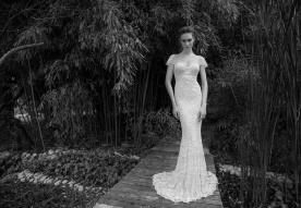 שמלת כלה צמודה בסגנון רומנטי
