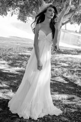 שמלת כלה קייצית למראה עדין