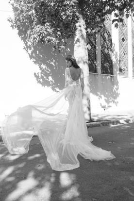 שמלת כלה חורפית עם שובל