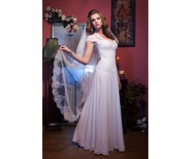 שמלת כלה עם הינומה ארוכה