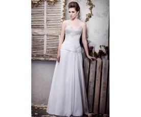 שמלת כלה אסימטרית שמנת ולבן