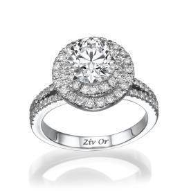טבעת משובצת יהלומים מרשימה