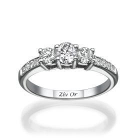 טבעת שלוש יהלומים עדינה