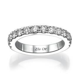 טבעת משובצת עשויה זהב לבן