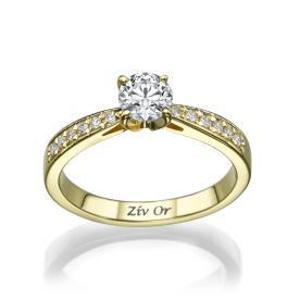 טבעת יהלומים בעיצוב קלאסי