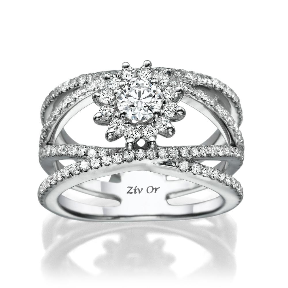 טבעת רחבה בעיצוב רומנטי