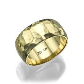 טבעת זהב רחבה מעוצבת