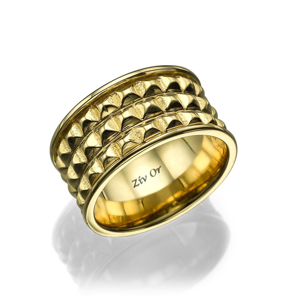 טבעת זהב רחבה עם בליטות