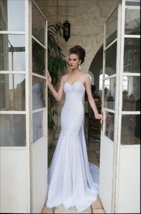 שמלת כלה עדינה בדגם בת ים