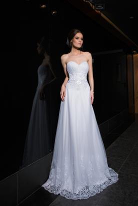 שמלת כלה עדינה עם כיווצים וחגורה