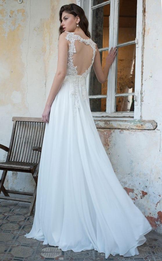 שמלת כלה עם חצאית שיפון מתרחבת