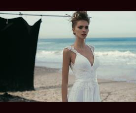 שמלת כלה עם תחרה וכיווצים