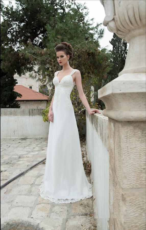 שמלת כלה עדינה עם תחרה במונתיים