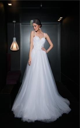 שמלת כלה נפוחה נסיכותית