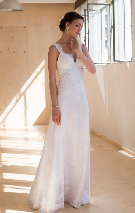 שמלת כלה עדינה אלגנטית