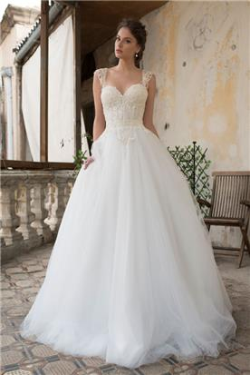 שמלת כלה במראה מלכותי