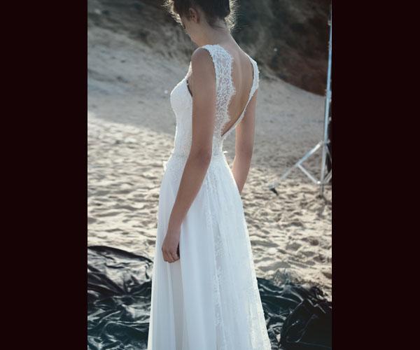 שמלת כלה עם חצאית עשירה