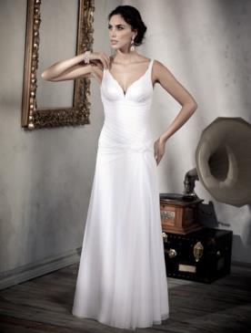 שמלת כלה חגורה במותן