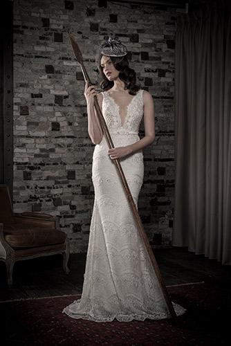 שמלת כלה מחשוף ותחרה