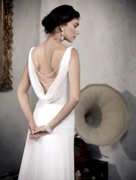 שמלת כלה גב פתוח עם בד רפוי