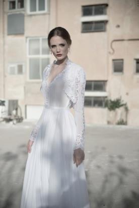 שמלת כלה צנועה עם כפתורים