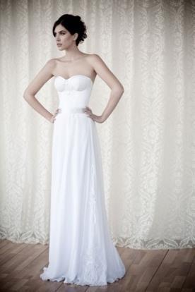 שמלת כלה מחוך סטרפלס נקי