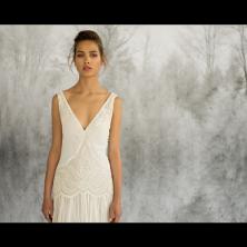 שמלת כלה כלה עם מחשוף V