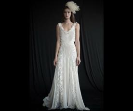 שמלת כלה תחרה בפסים משוחררת