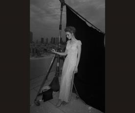 שמלת כלה עם שרשראות חרוזים