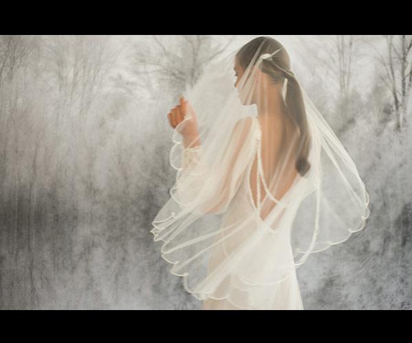 שמלת כלה גב חשוף רפוי והינומה