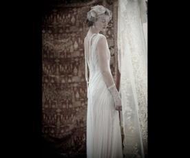 שמלת כלה וינטג' תחרה כיווצים