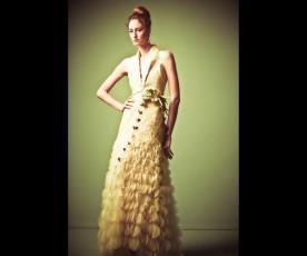 שמלת כלה קומות כתפיות רחבות